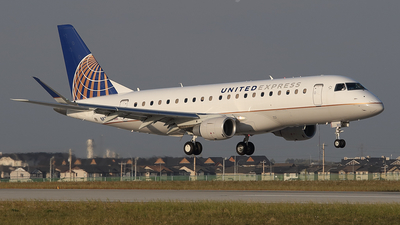 N87303 - Embraer 170-200LR - United Express (Mesa Airlines)