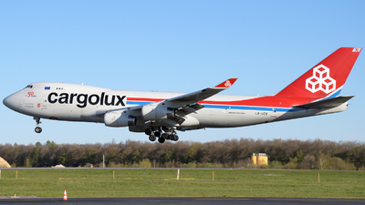 A picture of LXUCV - Boeing 7474R7(F) - Cargolux - © Tom Mousel