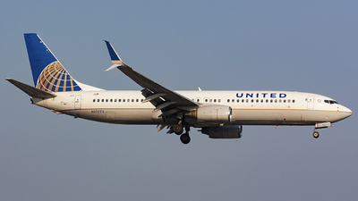 A picture of N37273 - Boeing 737824 - United Airlines - © chalymtz