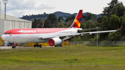 A picture of N975AV - Airbus A330243 - Avianca - © Jorge Saenz