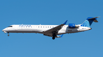 A picture of N519GJ - Mitsubishi CRJ550 - United Airlines - © Evan Dougherty