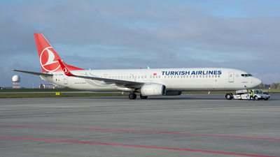 A picture of TCJYN - Boeing 7379F2(ER) - Turkish Airlines - © Vasia Mechanic