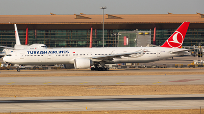 A picture of TCLJK - Boeing 7773F2(ER) - Turkish Airlines - © MAJOREDM