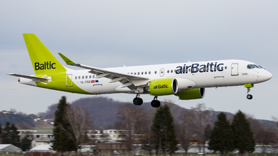 A picture of YLCSD - Airbus A220300 - Air Baltic - © Moritz Klöckner