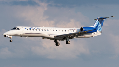 N16147 - Embraer ERJ-145XR - United Express (Commutair)