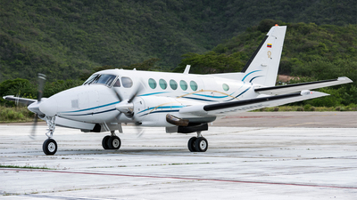 YV3335 - Beechcraft 100 King Air - Private
