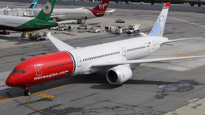 G-CKOF - Boeing 787-9 Dreamliner - Norwegian