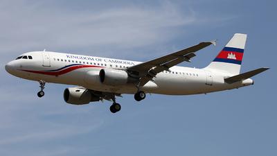 B-6738 - Airbus A320-214 - Cambodia - Government