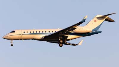 OE-LML - Bombardier BD-700-1A10 Global 6000 - International Jet Management