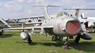 11 - Mikoyan-Gurevich Mig-19PM Farmer D - Soviet Union - Air Force