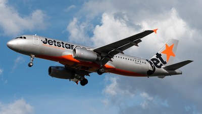 A picture of VHVGA - Airbus A320232 - Jetstar Airways - © Yiwen Song