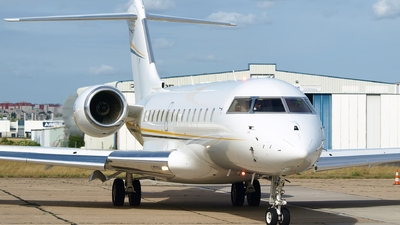 T7-JIS - Bombardier BD-700-1A11 Global 5000 - Private