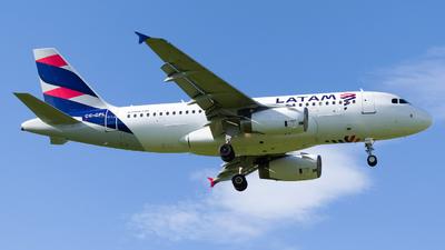A picture of CCCPL - Airbus A319132 - LATAM Airlines - © Esteban Cristancho