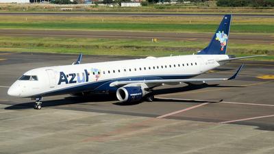 A picture of PRAXX - Embraer E195AR - Azul Linhas Aereas - © Renan Araújo