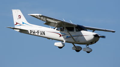 PH-FAN - Cessna 172S Skyhawk SP - Private