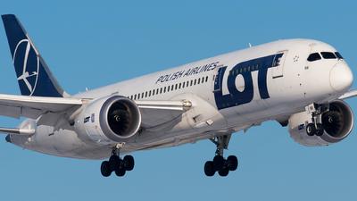 A picture of SPLRB - Boeing 7878 Dreamliner - LOT - © Wojtek Raczynski