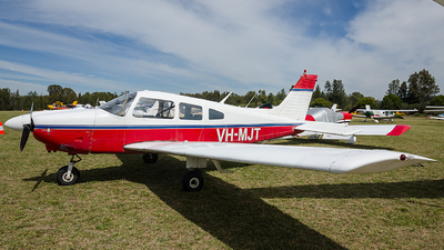 VH-MJT - Piper PA-28-181 Cherokee Archer II - Sydney Aviators Flying Club