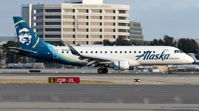 A picture of N626QX - Embraer E175LR - Alaska Airlines - © Yixin Chen