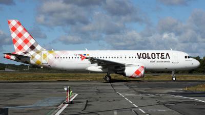 EC-NQN - Airbus A320-214 - Volotea