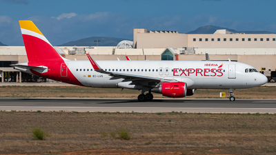EC-LUS - Airbus A320-216 - Iberia Express