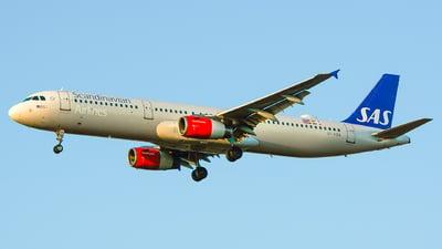 A picture of OYKBB - Airbus A321231 - SAS - © Laszlo Fekete