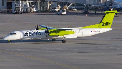 YL-BBT - Bombardier Dash 8-Q402 - Air Baltic