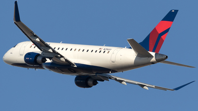 A picture of N296SY - Embraer E175LR - Delta Air Lines - © Mike MacKinnon