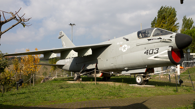 158830 - LTV A-7E Corsair II - United States - US Navy (USN)
