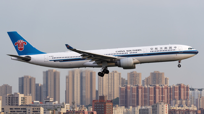 B-5922 - Airbus A330-323 - China Southern Airlines