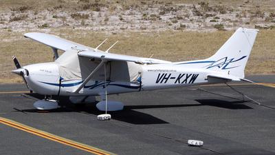 A picture of VHKXW - Cessna 172S Skyhawk SP - [172S10679] - © Brenden