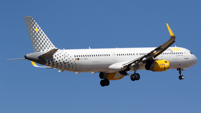 EC-MHS - Airbus A321-231 - Vueling Airlines