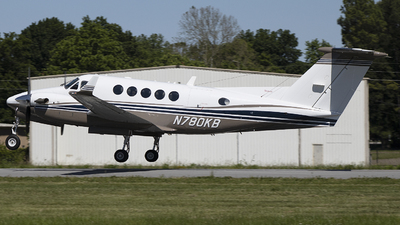 N780KB - Beechcraft 200 Super King Air - Private