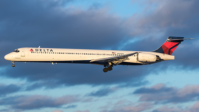 N956DN - McDonnell Douglas MD-90-30 - Delta Air Lines