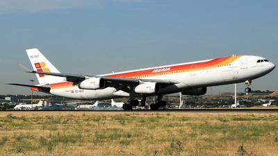 EC-GLE - Airbus A340-313 - Iberia