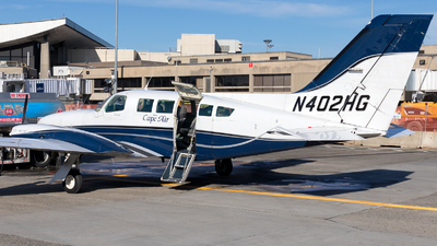 N402HG - Cessna 402C - Cape Air