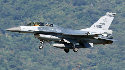6805 - General Dynamics F-16B Fighting Falcon - Taiwan - Air Force