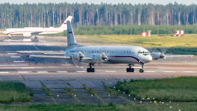RF-75937 - Ilyushin IL-18D - Russia - Air Force