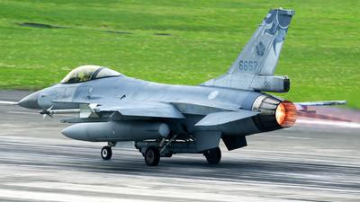 6670 - General Dynamics F-16AM Fighting Falcon - Taiwan - Air Force