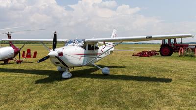 A picture of OKMNC - Cessna 182T Skylane - [18281136] - © Peter Tolnai