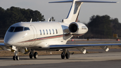 A picture of N769QS - Bombardier Challenger 350 - NetJets - © Johan S. Gomez