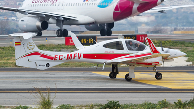 EC-MFV - Diamond DA-42 Twin Star - One Air Aviacion