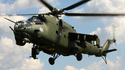 732 - Mil Mi-24V Hind E - Poland - Army