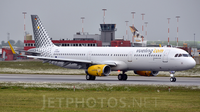 D-AVXX - Airbus A321-231 - Vueling Airlines