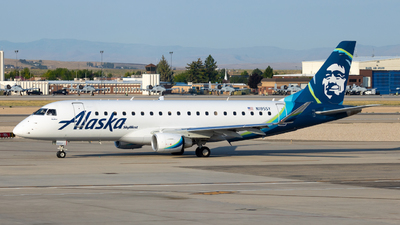A picture of N195SY - Embraer E175LR - Alaska Airlines - © Sean Acie
