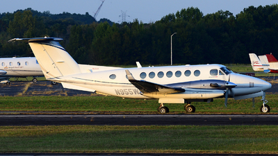 N955WP - Beechcraft B300 King Air 350i - Private