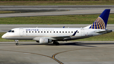 A picture of N653RW - Embraer E170SE - United Airlines - © Allan Martins Antunes