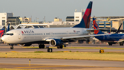 A picture of N889DN - Boeing 737932(ER) - Delta Air Lines - © Twin Cities Spotter