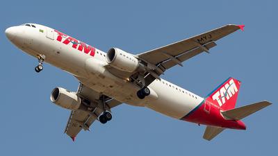PR-MYJ - Airbus A320-214 - TAM Linhas Aéreas