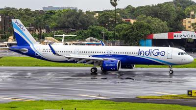 A picture of VTIUB - Airbus A321271NX - IndiGo - © Janam Parikh