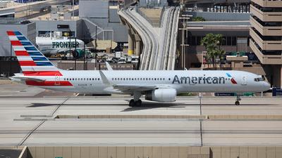 N206UW - Boeing 757-2B7 - American Airlines